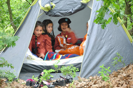 İzciler Kazak Gölü'nde kamp yaptı