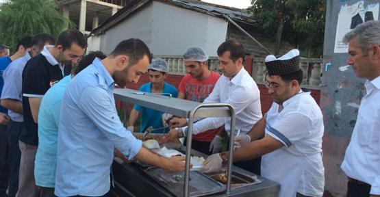 16 mahallede iftar sofrası kuruldu