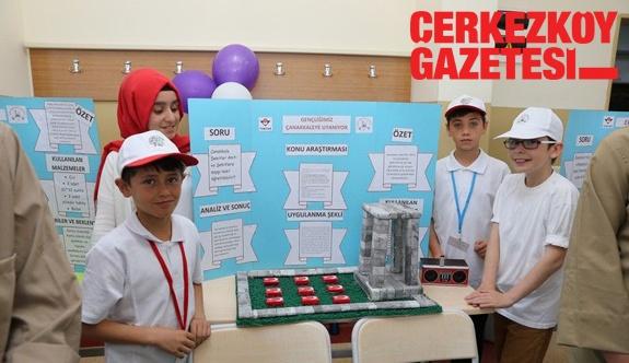 Öğrenciler projelerini sergiledi