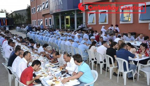 Çetin Gruop'tan geleneksel 18'inci iftar yemeği