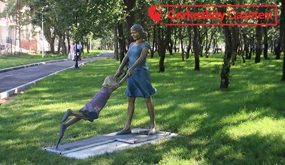 Heykeller piknik alanına monte edildi