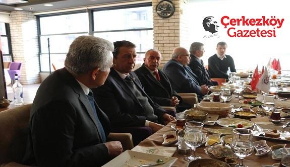 Başkan Akay Mahalle Muhtarlarıyla bir araya geldi