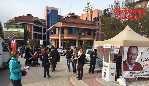 CHP'nin 'Hayır' çadırına yoğun ilgi