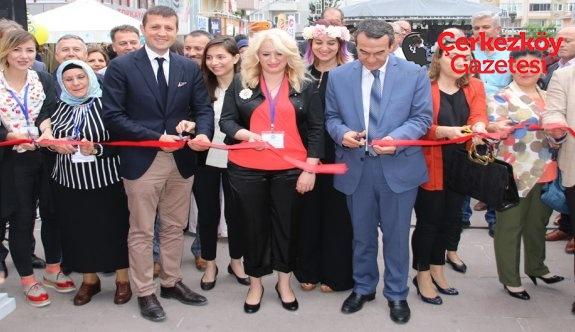 Kültür-Sanat kurslarının yılsonu sergisi açıldı