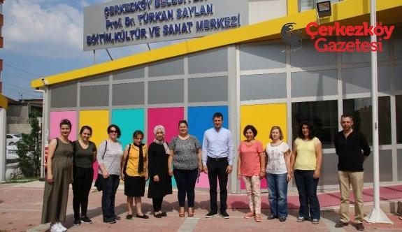 Kursiyerlerden Başkan Akay'a teşekkür ziyareti