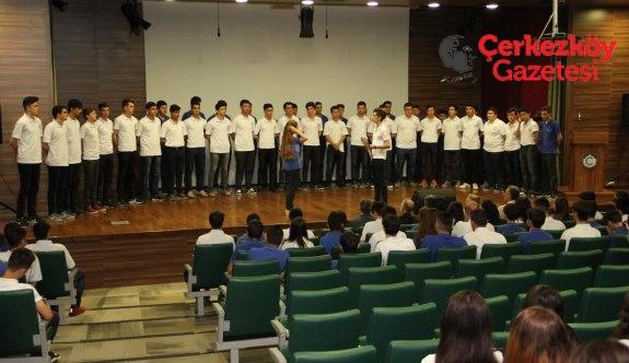 Özel ÇOSB Mesleki ve Teknik Anadolu Lisesi'nde karne heyecanı