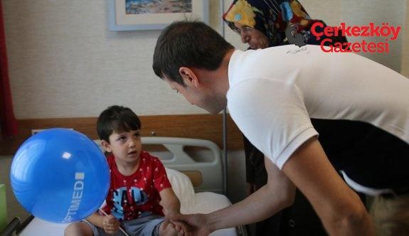 256 çocuk sünnet ettirildi