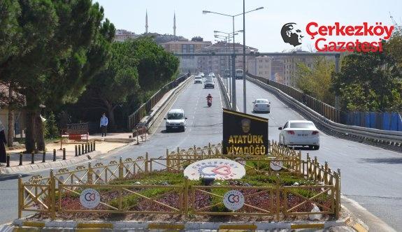 Atatürk Viyadüğü herkese engel!
