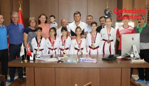 Türkiye Şampiyonu miniklerden ziyaret
