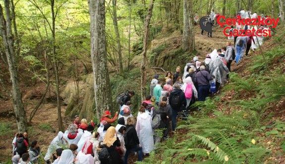 300 kişilik doğa yürüyüşü gerçekleşti