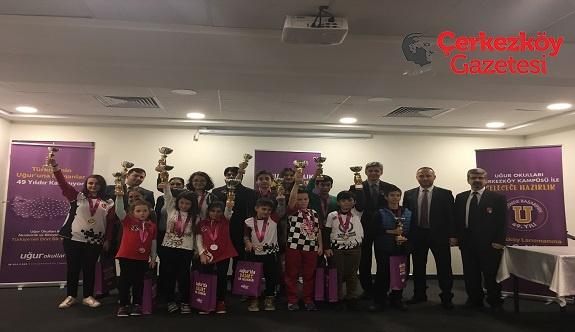 Uğur Okulları'ndan Türkiye geneli satranç turnuvası