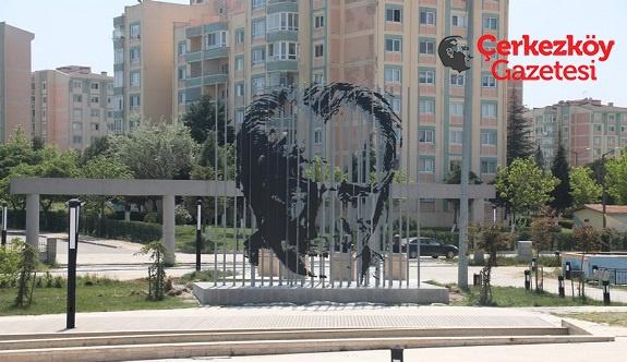Bülent Ecevit Parkı Atatürk'le taçlandı