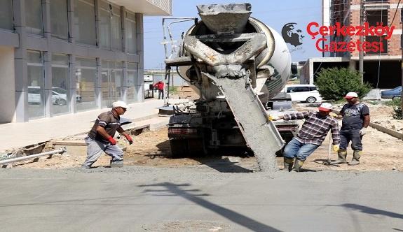 Kızılpınar'a yol yapımı devam ediyor