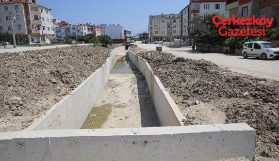 Karagöz Gölü Deresi ıslahı devam ediyor
