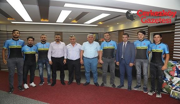 Başarılı bisikletçiler Mandalı'ya teşekkür etti