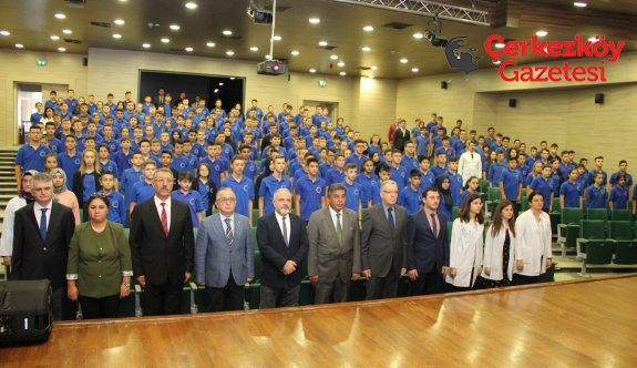 Sözdinler: Okulumuz Türk gençliğinin hizmetindedir