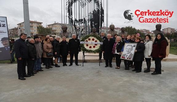 Halkın Karaoğlanı Ecevit'e selam olsun 