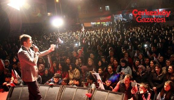 Akay'dan 'Küçük siyasetçiler' çıkışı