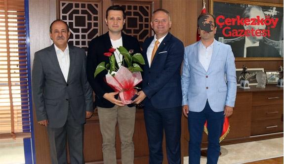 Başkan Akay'a 'hayırlı olsun' ziyareti