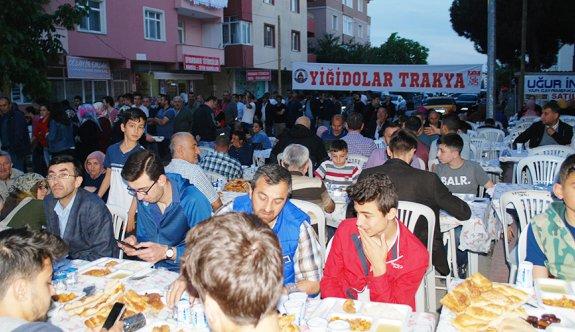 Sivaslılar birlikte iftar yaptı