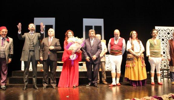 'Aşkımız Aksaray'ın En Büyük Yangını' Tiyatro Oyunu ÇOSB Konferans Salonu'nda sahnelendi…