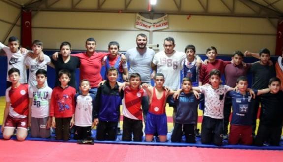 İl Güreş Şampiyonası Çerkezköy'de yapılacak