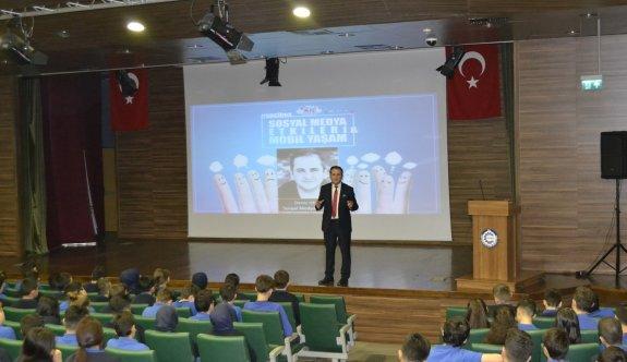 Özel ÇOSB Mesleki ve Teknik Anadolu Lisesi'nde Sosyal Medya Semineri