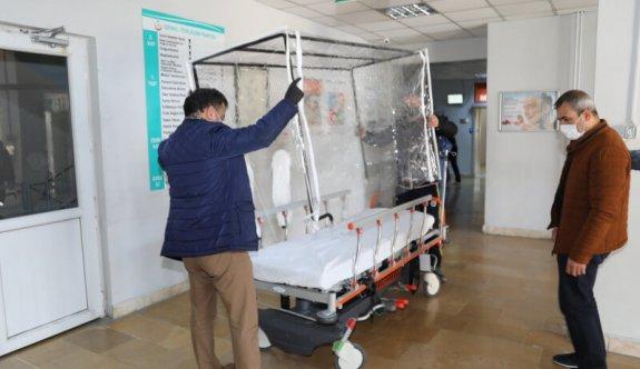 İzolasyonlu Sedye Kabinlerini hastanelere teslim ettiler