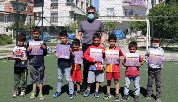 Akay'dan çocuklara kitap hediyesi