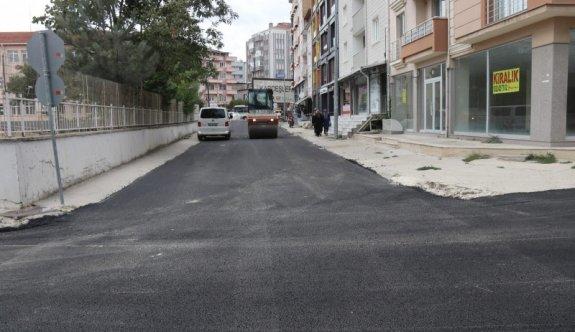 3 Sokak daha sıcak asfaltlandı