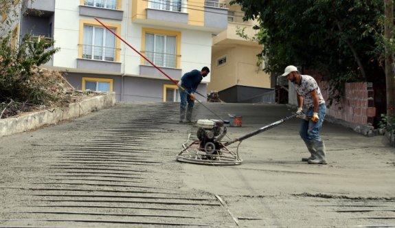İki sokağa demirli beton yol