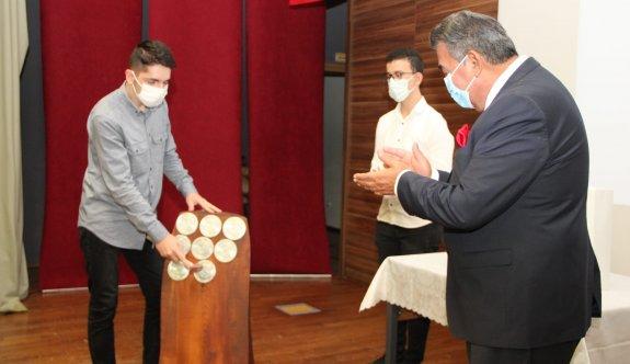 Özel ÇOSB Mesleki ve Teknik Anadolu Lisesi'nde yeni eğitim-öğretim yılı törenle başladı