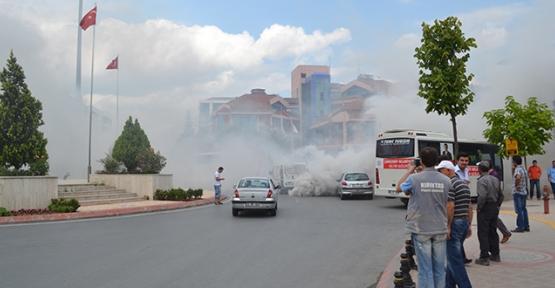 Belediye Meydanını dumanlar sardı