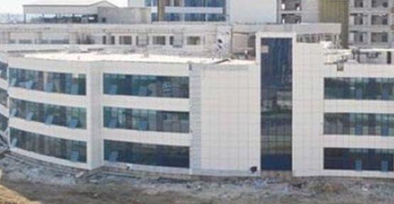 Devlet hastanesinin açılışı belirsizliğini koruyor