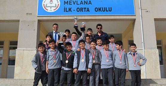 Mevlana Ortaokulu'ndan büyük sportif başarı