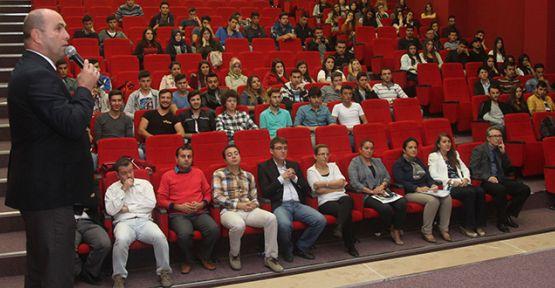 Öğrencilere oryantasyon eğitimi