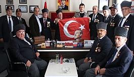 Başkan Akay'dan gazilere anlamlı hediye