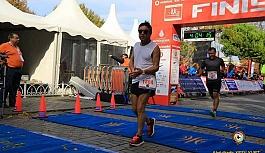 Büyük maratonu 2 Çerkezköylü koştu