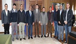 Başkan Akay'ı genel kurula davet...