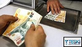 Vatandaş cebinden çıkan paraya bakıyor!