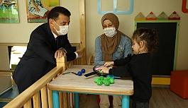 Başkan Çetin, Bebek Kütüphanesi'nde Miniklerle Buluştu