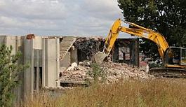 Metruk binaların yıkılması önem taşımaktadır