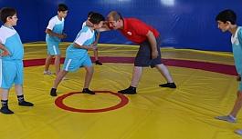 Yaz spor okulunun 2. dönemi başladı