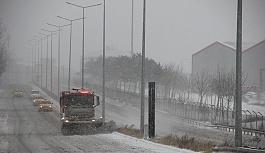 ÇOSB Müdürlüğü kar yağışında gece-gündüz...