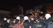 Saray'da Hdp'nin Seçim Bürosu Taşlandı