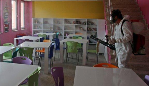 Çerkezköy Belediyesi okulları dezenfekte etti