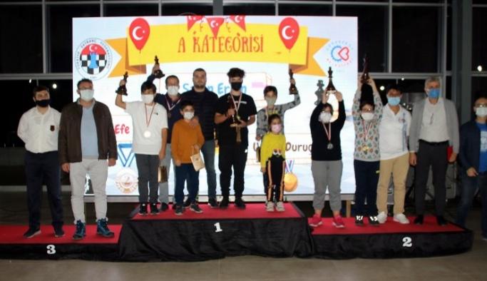 29 Ekim satranç turnuvası tamamlandı